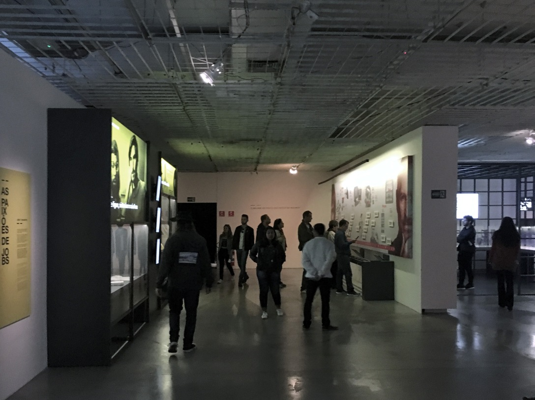 """exposição """"steve jobs, o visionário"""" (museu da imagem e do som, junho de 2017)"""